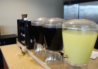Fresh Lemonade & Iced Tea